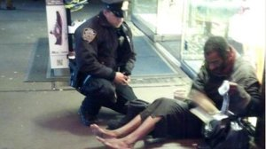 ht_nypd_homeless_man_jef_121129_wmain